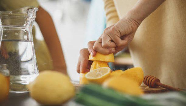 الليمون للتنحيف | نقدم لك جميع الوصفات الطبيعية الصحية لاستعمال الليمون للتنحيف